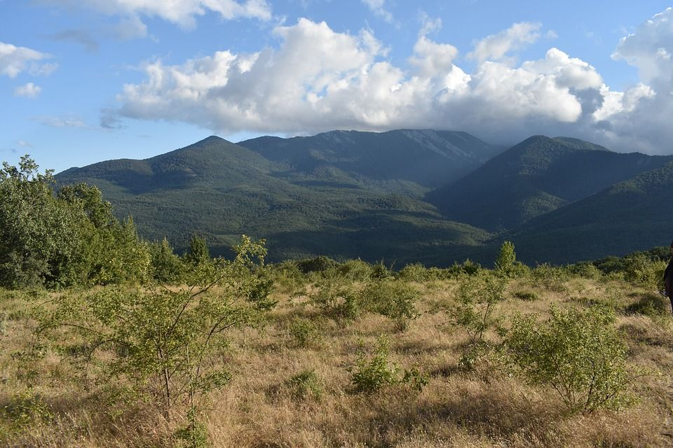 Два друга заблудились в крымских горах
