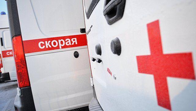 В Керчи перевернулась машина скорой помощи