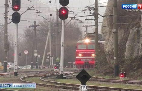 Поезда «Таврия» начали ходить в Крым ежедневно