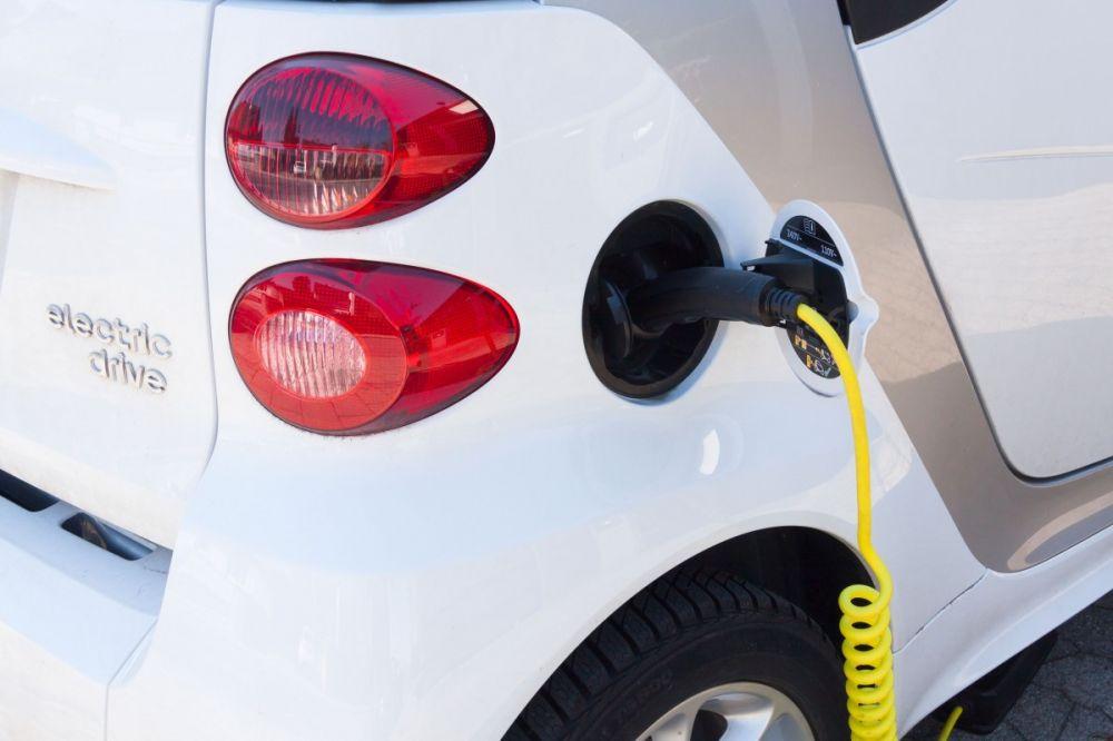 В Севастополе планируют отменить транспортный налог для электромобилей