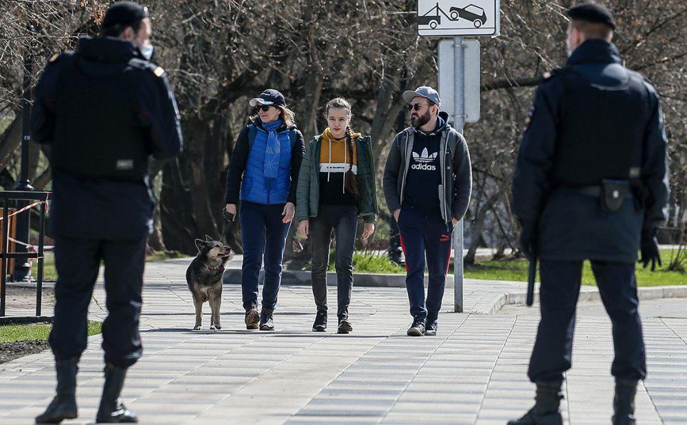 Несовершеннолетним в Крыму запретили появляться в общественных местах