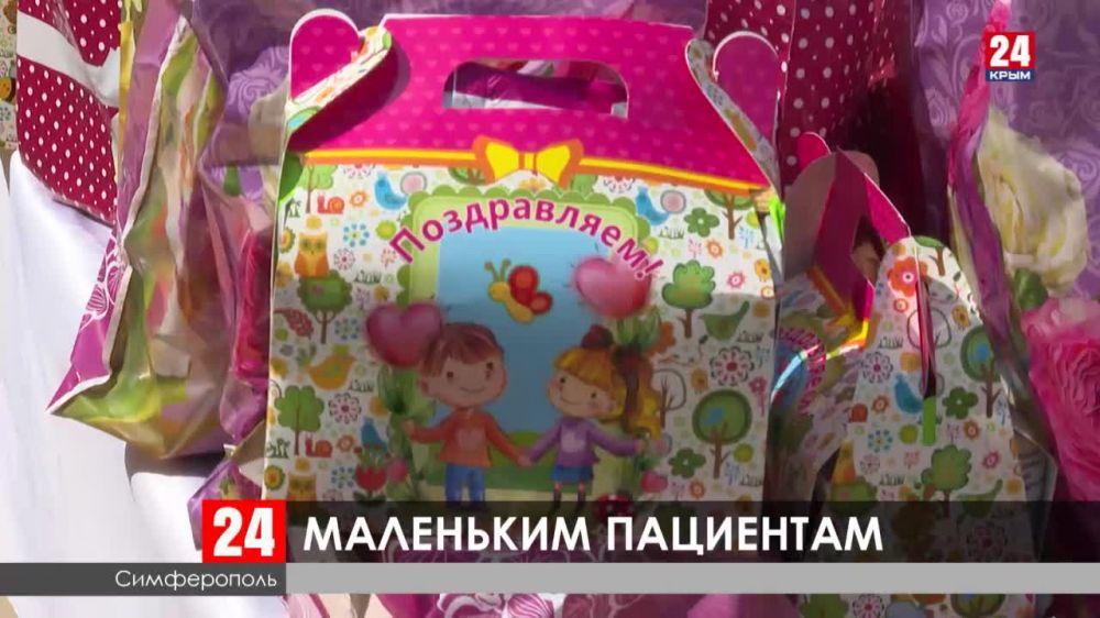Пациенты Республиканской детской клинической больницы получили подарки