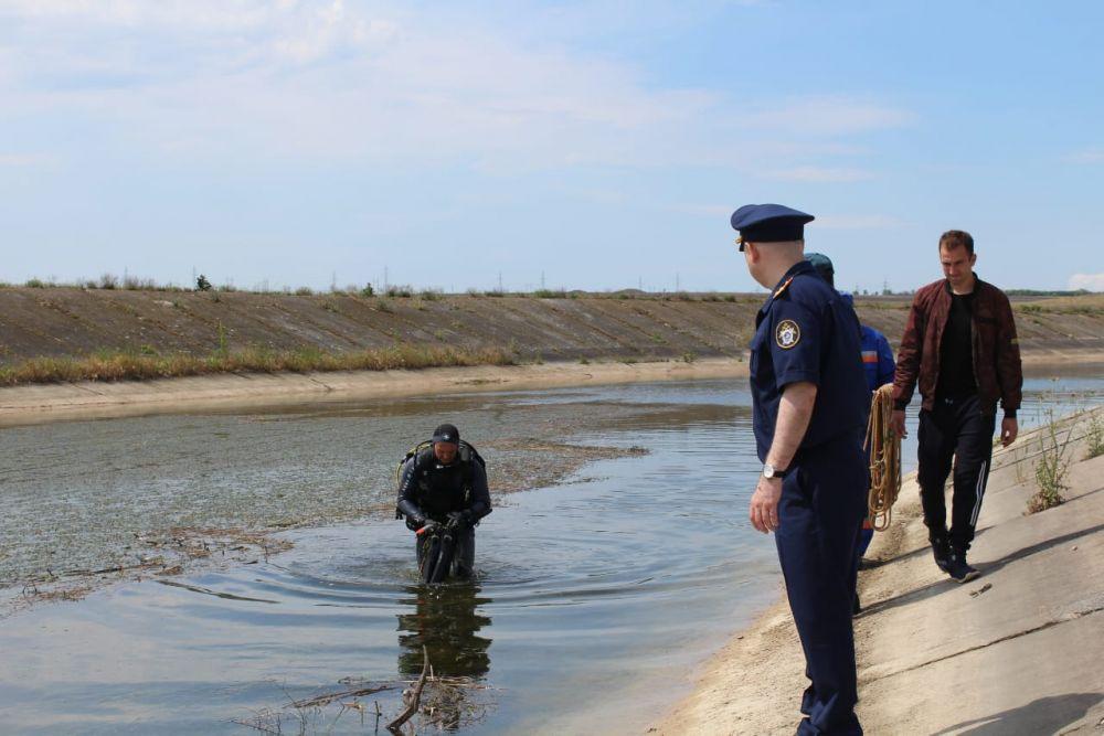 В Крыму друг семьи совершил преступление сексуального характера к девочке и столкнул ее в воду