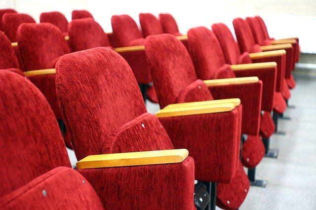 Когда в России откроются кинотеатры?