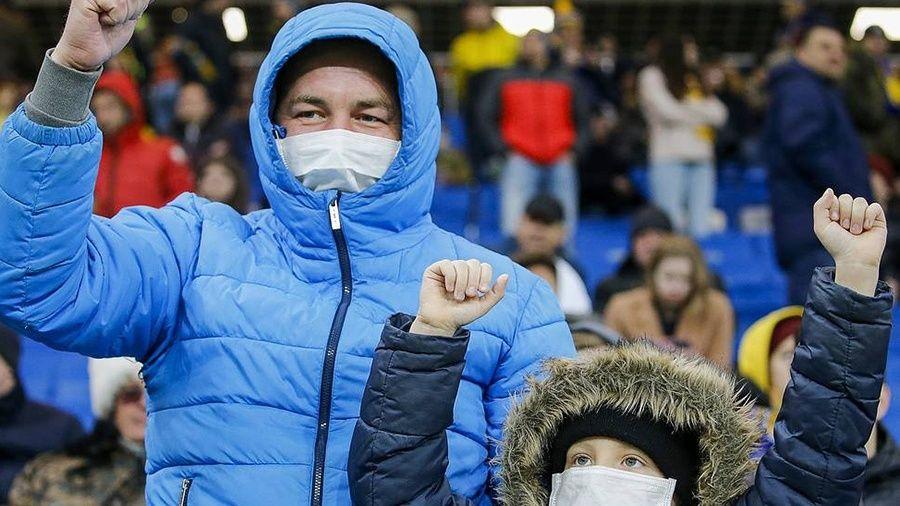 Болельщики смогут попасть на матчи чемпионата России только в масках и перчатках