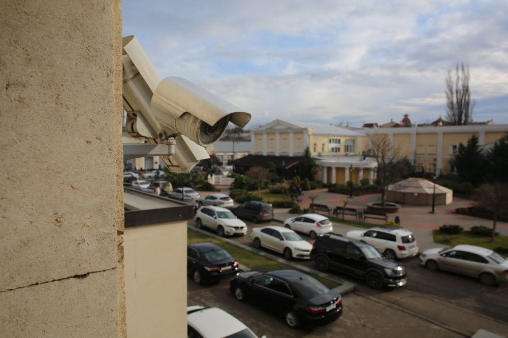 По Симферополю установят камеры наблюдения