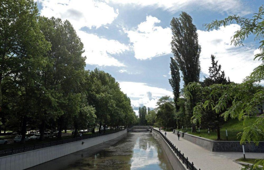В Симферополе на год отложили реконструкцию набережной Салгира