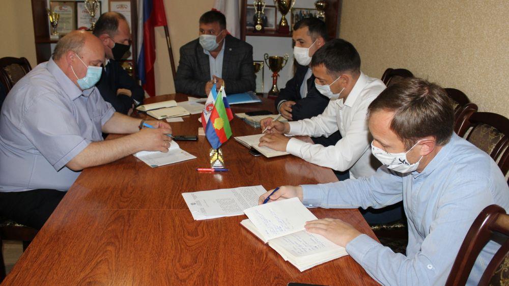 Глава администрации Сакского района Михаил Слободяник провел совещание с заместителями