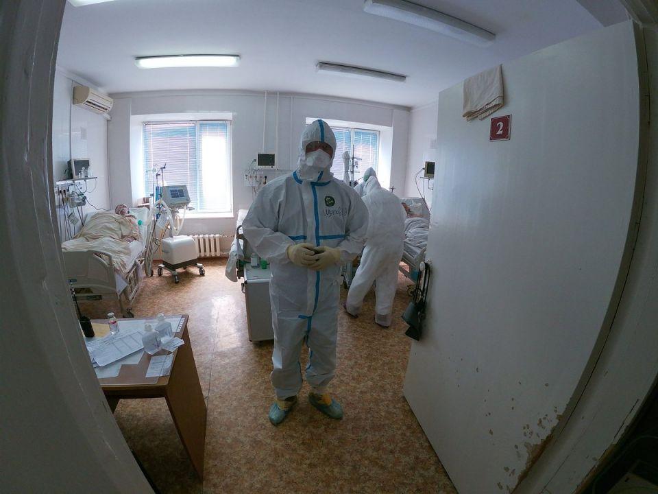 В Крыму коронавирусом заболели еще пять рабочих дорожно-строительной компании