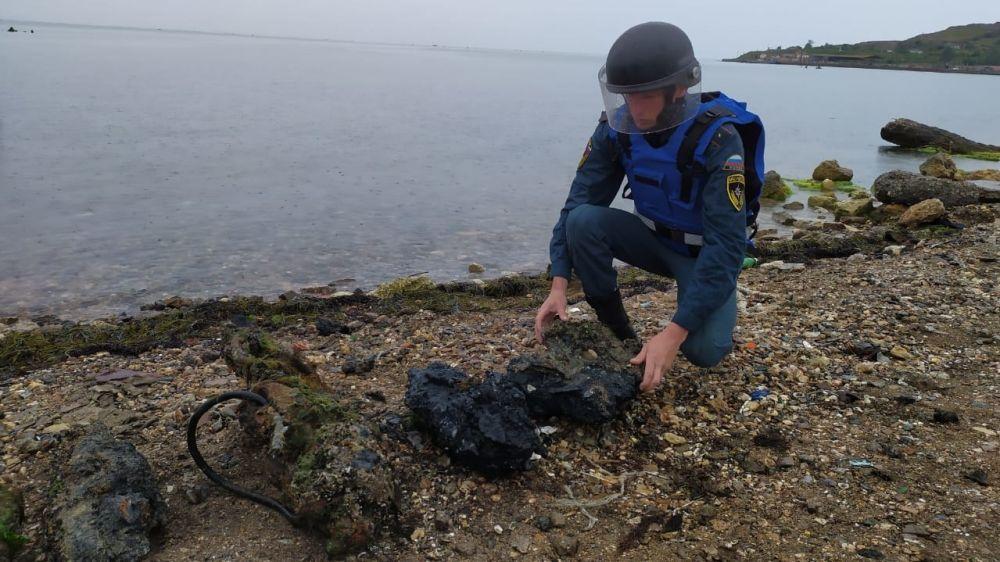Крымские спасатели уничтожили взрывоопасные предметы времен ВОВ