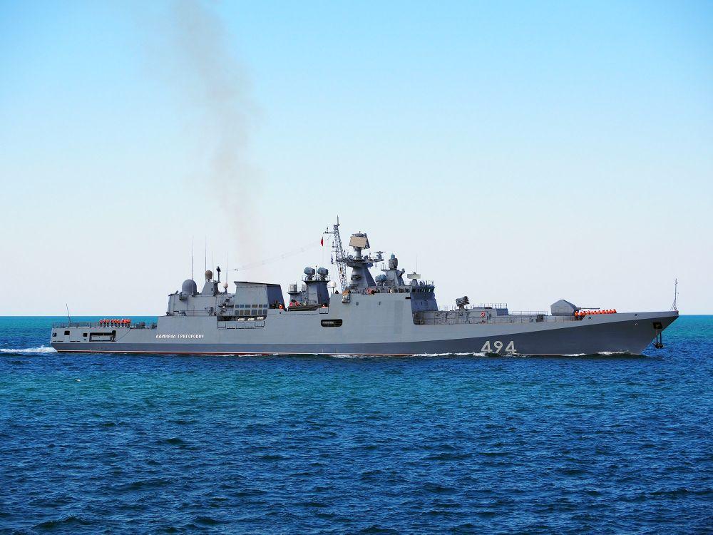 Фрегат ЧФ продемонстрирует флаг России в Индийском океане