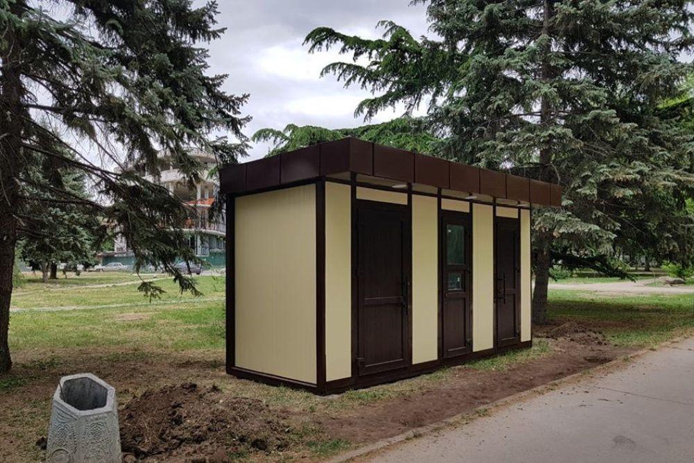Стало известно, почему в Симферополе не появятся зеркальные туалеты
