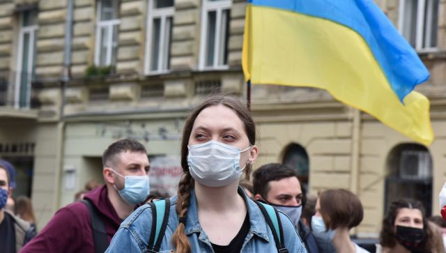 Почти половина украинцев считает, что их страна разваливается - опрос