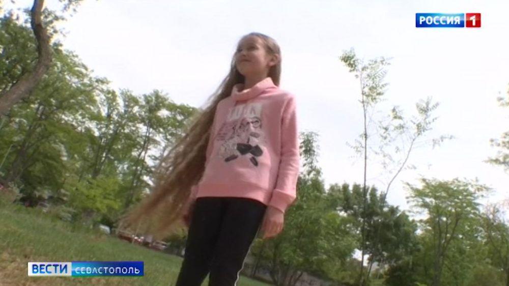 Побит ли рекорд севастопольской школьницы с самыми длинными волосами в России