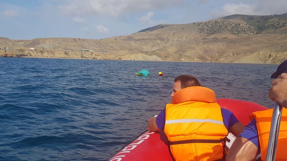 Спасатели «КРЫМ-СПАС» оказали помощь кайтсерферу в ГО Судак