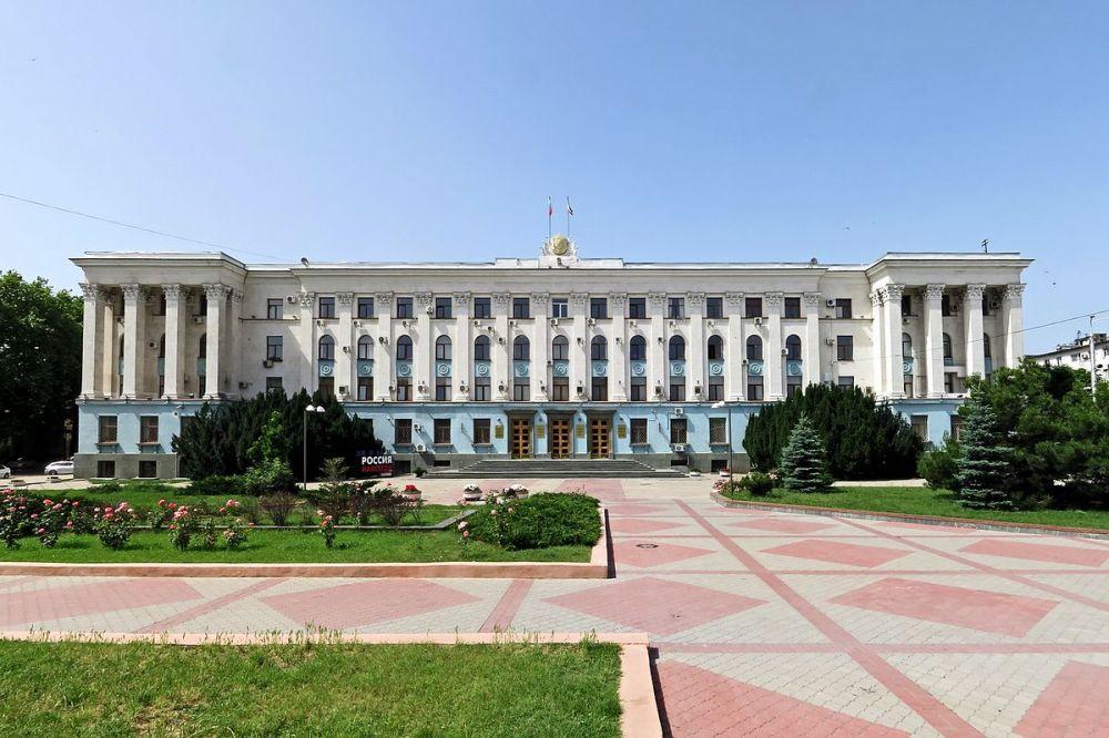 Совет Министров Крыма утвердил Перечень видов деятельности наиболее пострадавших от коронавируса и имеющих право на получение мер поддержки