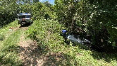 В Белогорском районе автомобиль упал с крутого обрыва
