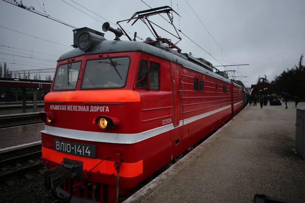 Дополнительные пригородные поезда запустят в Крыму. Расписание