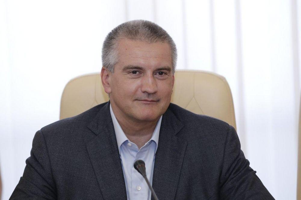 Аксёнов напомнил Зеленскому о «гласе с небес» и «комическом» прошлом