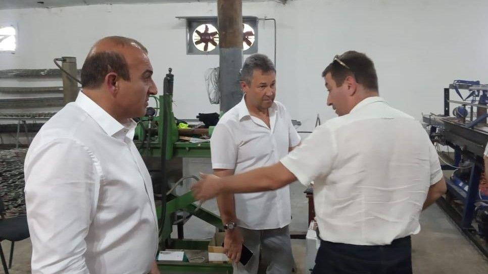 Министр топлива и энергетики Республики Крым Евгений Рукавишников осмотрел производство электрооборудования