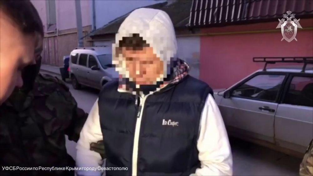 Евпаторийского депутата и его помощницу осудят за вымогательство