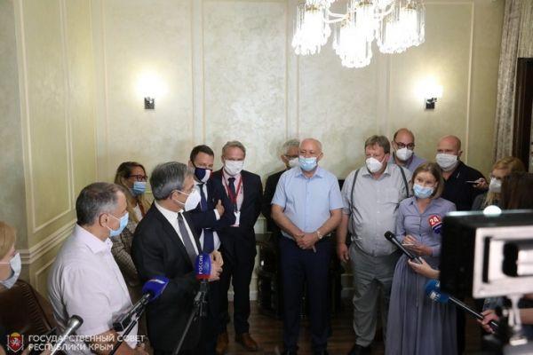 Юрий Гемпель: Европейские политики и эксперты высоко оценили организацию общероссийского голосования в республике и активность крымчан