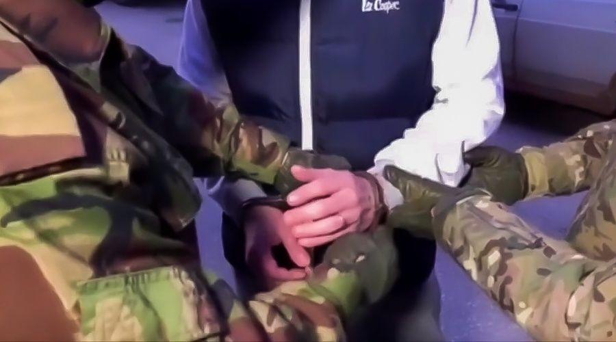 Евпаторийский депутат и его помощница предстанут перед судом за вымогательство