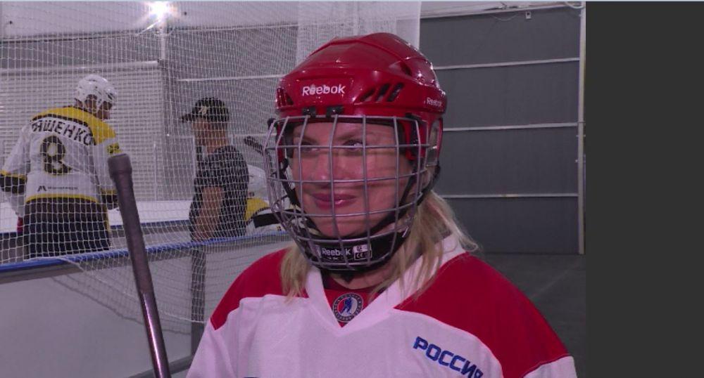 Министр спорта Крыма сравнила впечатления от хоккея и фигурного катания