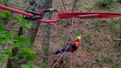 Специалисты «КРЫМ-СПАС» повышают профессиональные навыки на регулярных тренировках по альпинистской подготовке