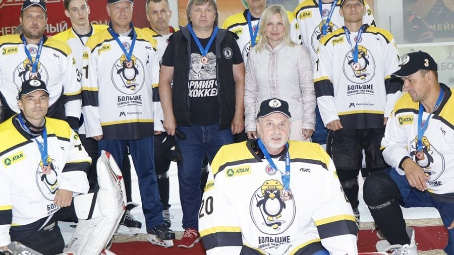 Названы лучшие по номинациям игроки Ночной хоккейной лиги в Крыму сезона-2019/20