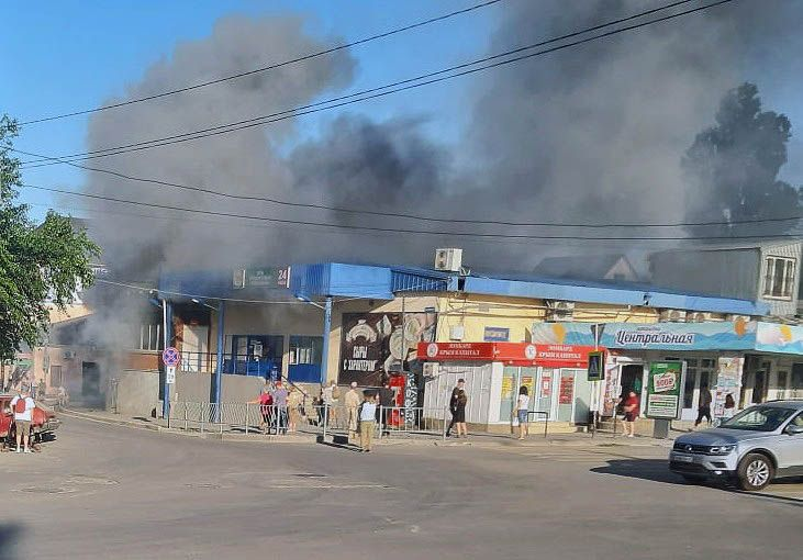 В Феодосии едва не сгорел супермаркет