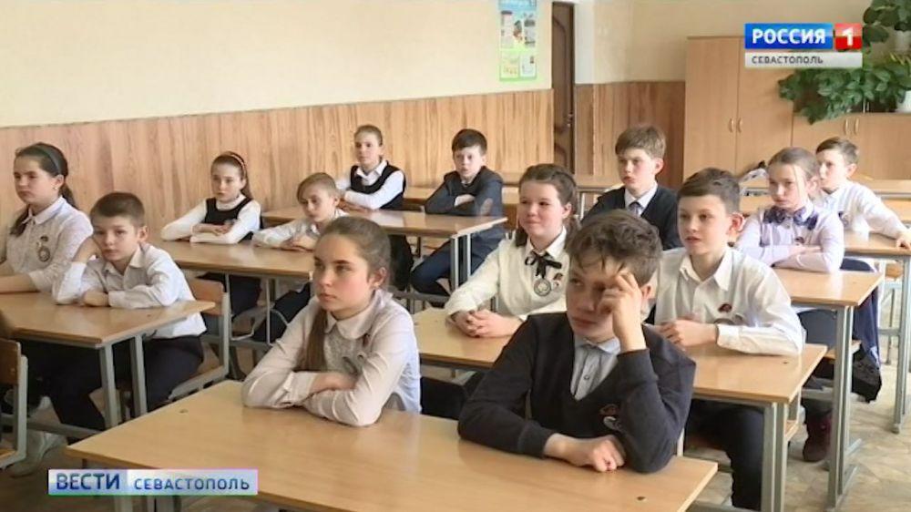 В Крыму учебный год начнется 1 сентября без «дистанционки»