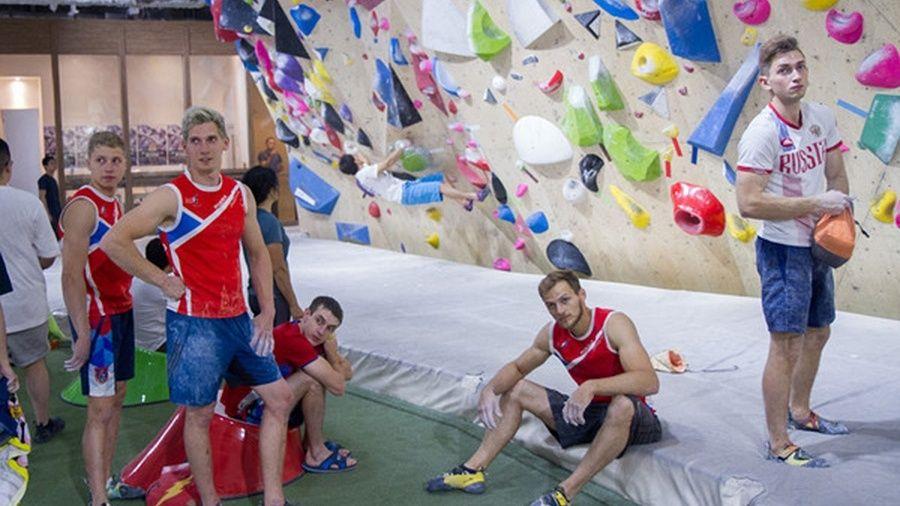 Российские скалолазы начали в Алуште подготовку к Олимпийским играм