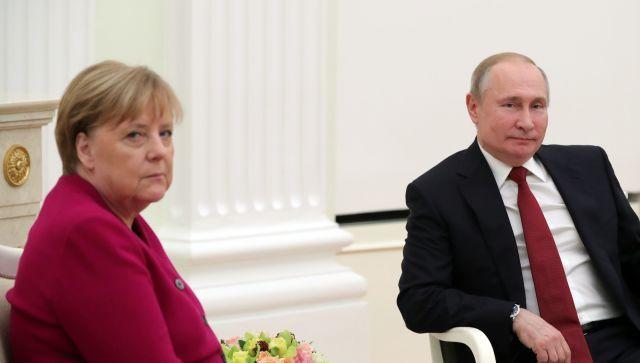 """Путин и Меркель осудили заявления Украины о пересмотре """"Минска"""""""