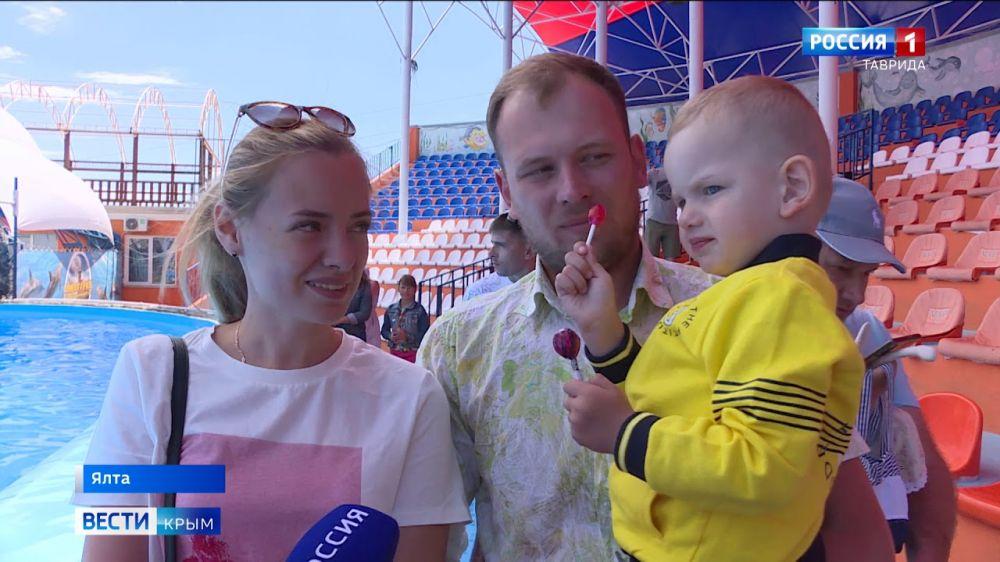 Выбирают Крым: в первые дни июля на полуостров приехали более 400 тысяч туристов