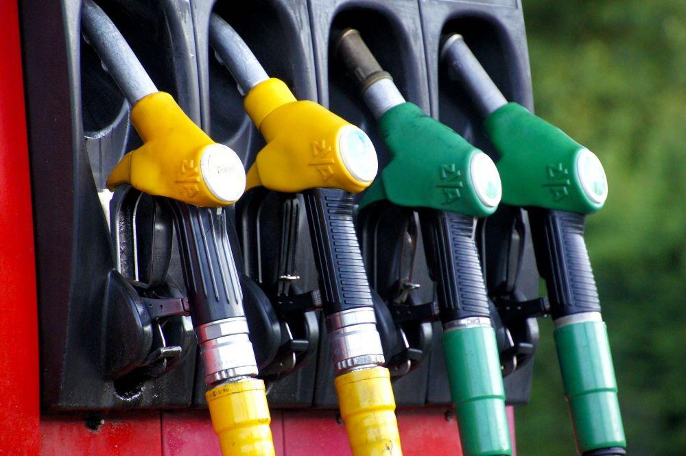 Крым вошёл в двадцатку регионов с самым дорогим бензином
