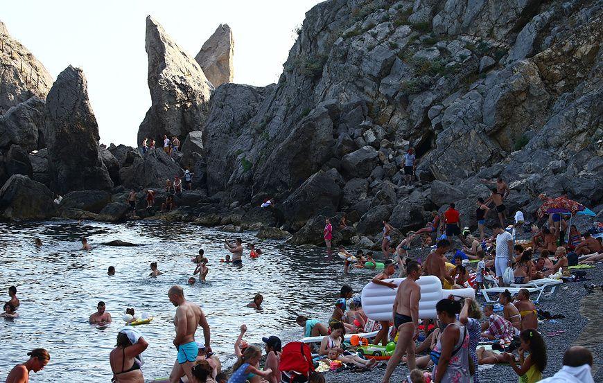 Опрос: более 60% россиян готовы к путешествиям внутри страны