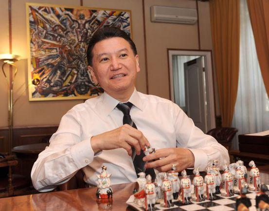 Экс-президент Международной шахматной федерации посетил Евпаторию