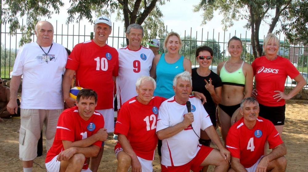 В Феодосии провели тренировку по пляжному волейболу