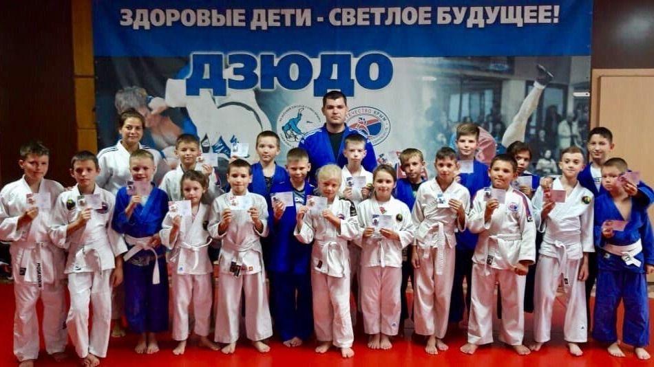 Сотни жителей Евпатории получат значки ГТО