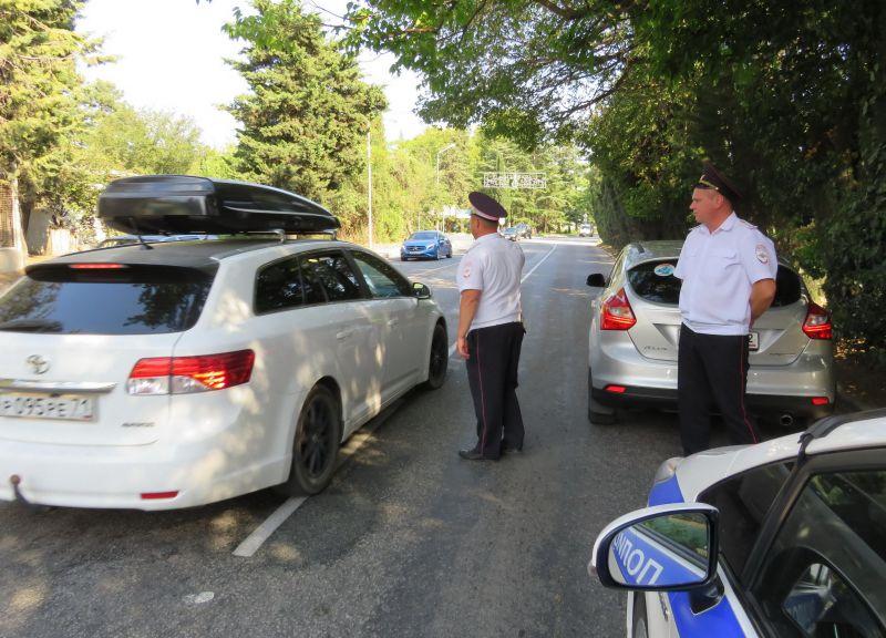 В Алуште полиция провела операцию «Курорт»