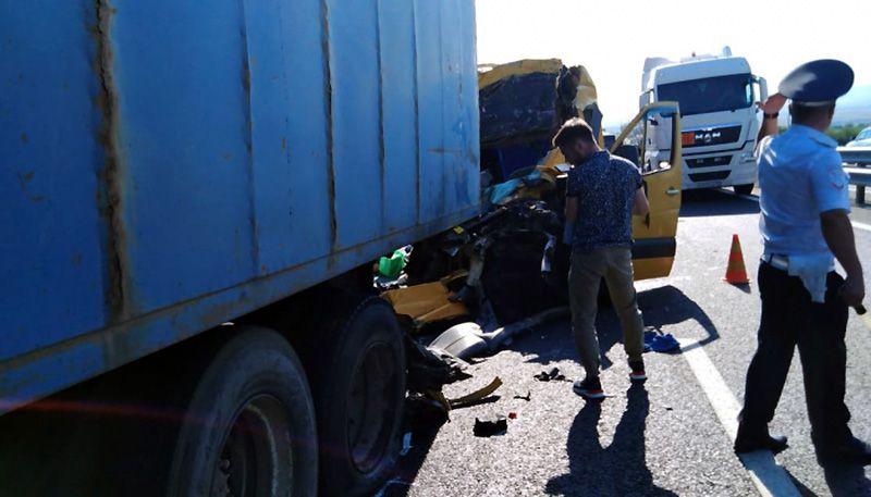 Число жертв ДТП с микроавтобусом на «Тавриде» выросло до девяти