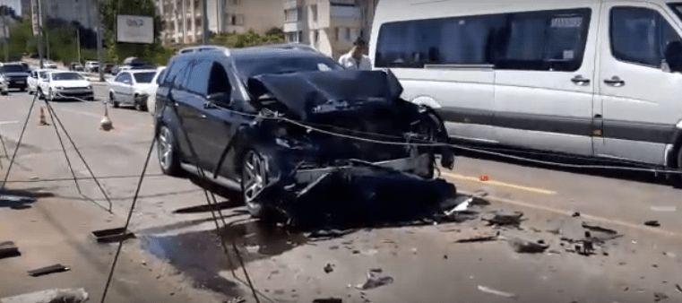 ДТП в Севастополе: на новом мосту столкнулись иномарка и автобус. В пострадавших — 14 человек
