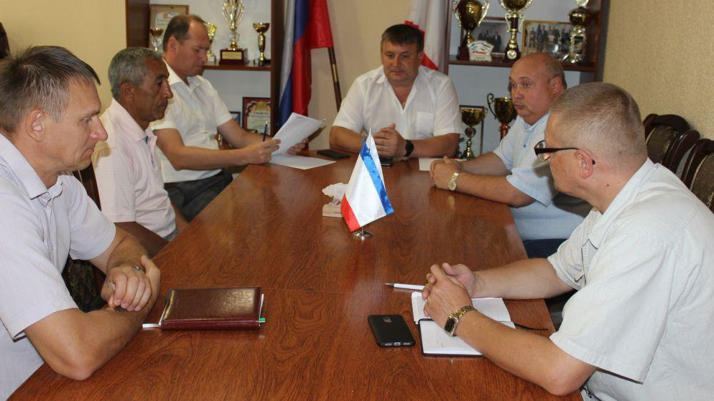 Глава администрации Сакского района Михаил Слободяник провел рабочую встречу с председателем ООО «Заря»
