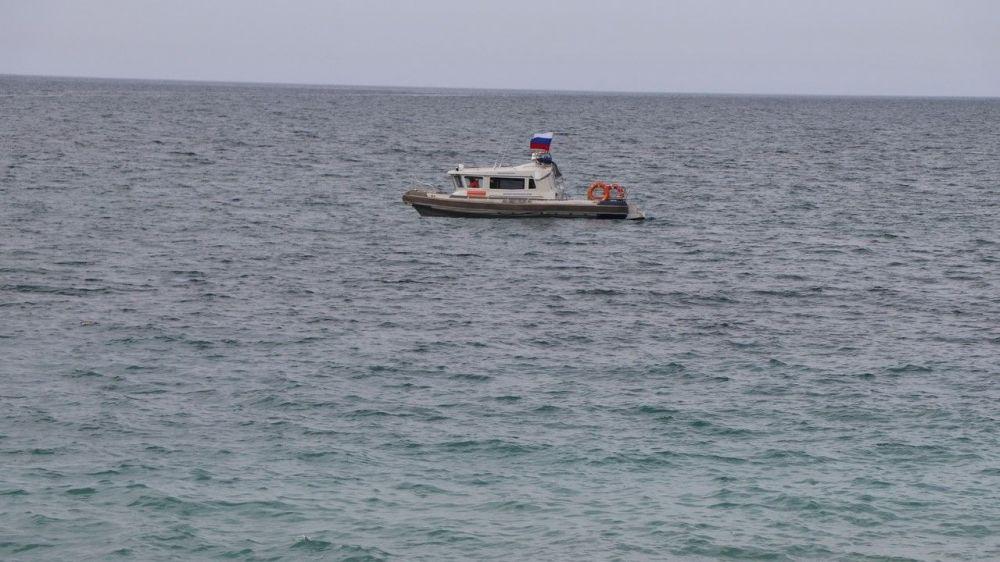 В Севастополе на Фиоленте унесло в море двух детей на резиновой лодке