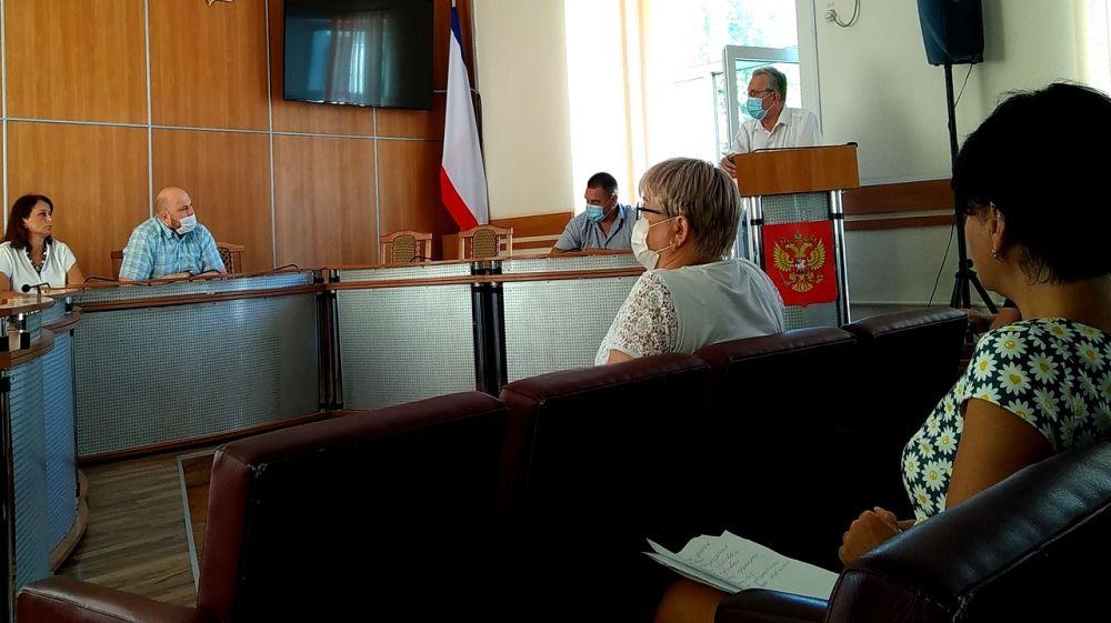 В Феодосии состоялось заседание оперативного штаба по предупреждению распространения COVID-19