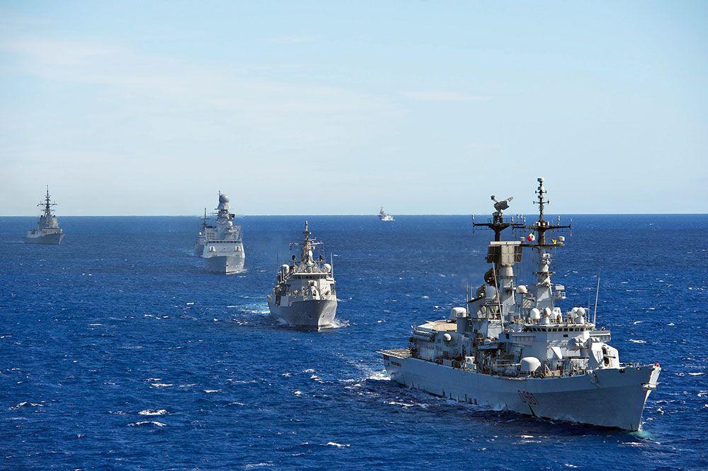 Россия вытеснила корабли НАТО из зоны учений в Черном море