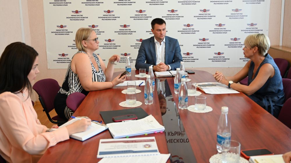 В Крыму существует спрос на предоставление государственных и муниципальных услуг в электронном виде — Дмитрий Шеряко