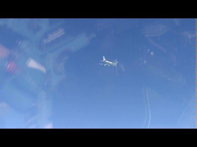 Су-27 перехватил два самолета США над Черным морем