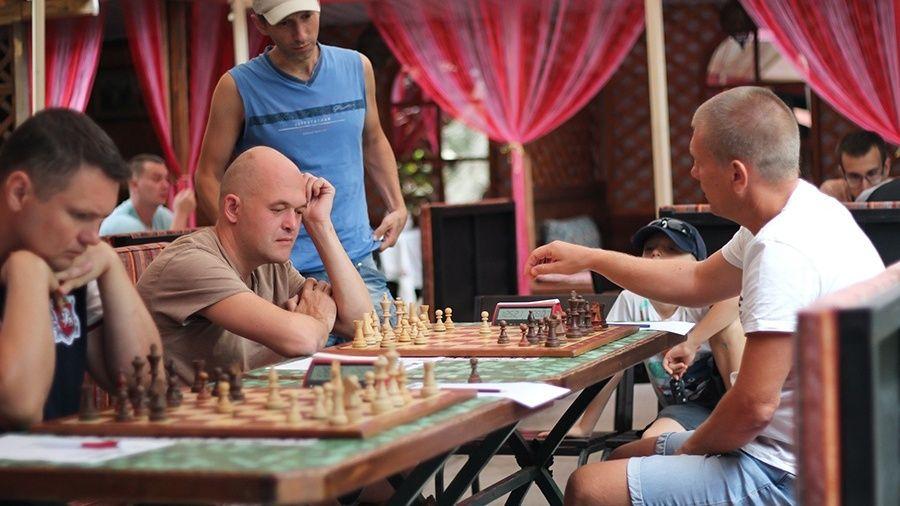 Командный чемпионат Крыма по шахматам перевалил экватор